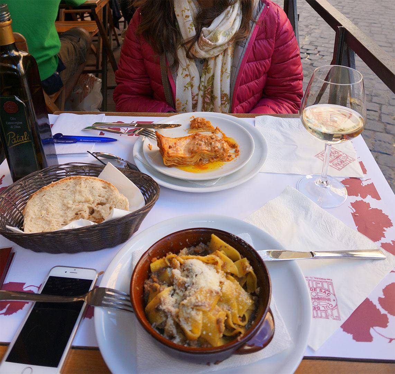 Roma - Restaurant - Cul de Sac - Yemek - Lazanya