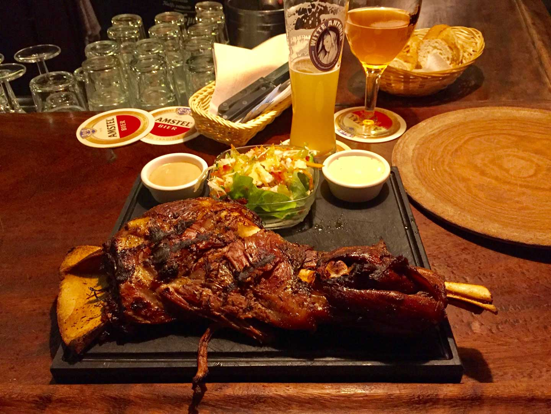 Cafe de Klos Akşam yemeği kuzu ızgara pub bira