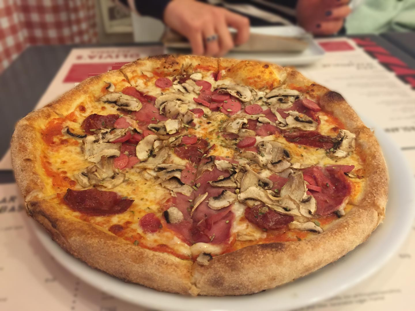 Olivia Pizzeria - Bagdat Caddesi - Kadıkoy - Pizza - Gurme - Lezzet - Best Pizza in Town