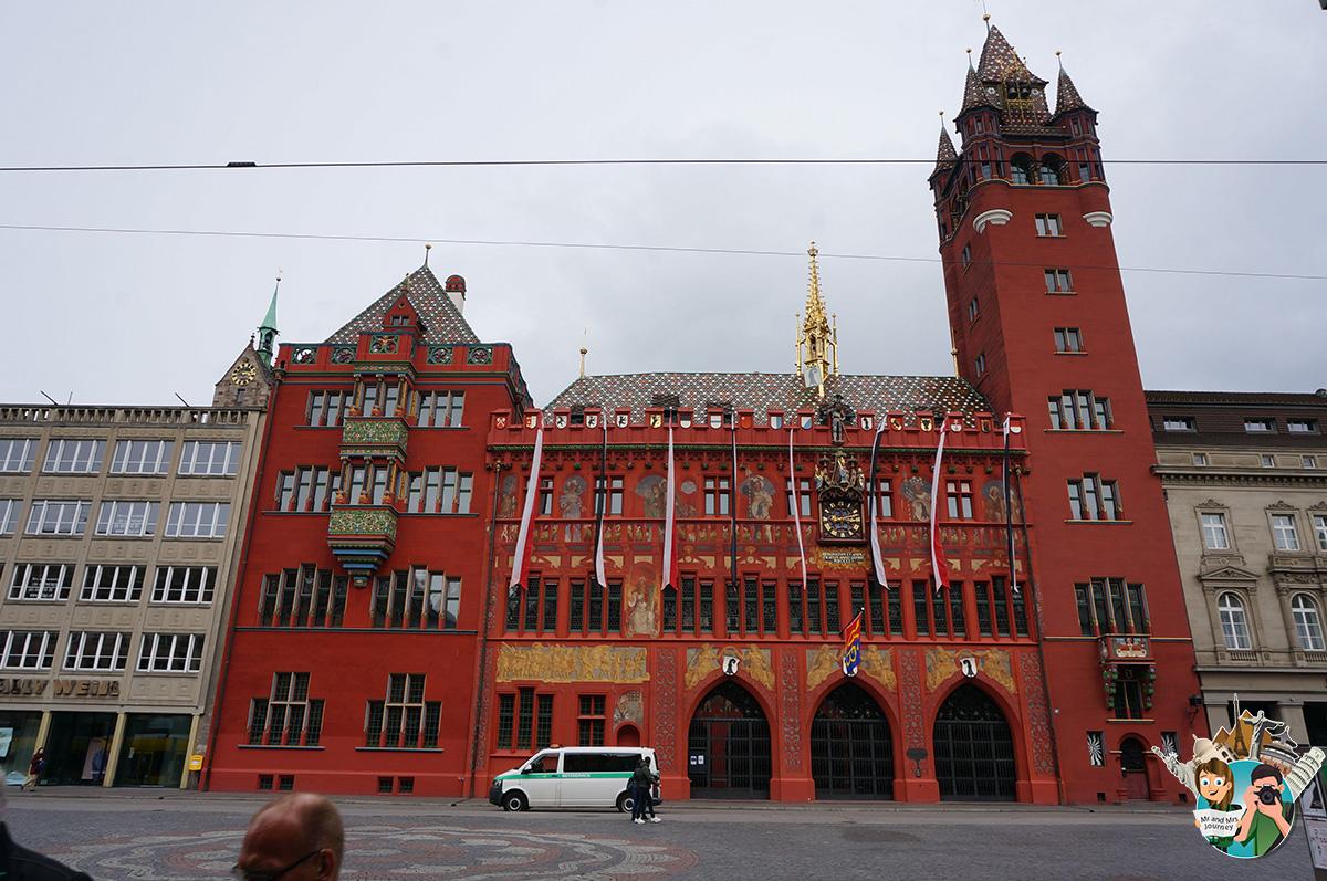 Rathaus-Basel-isviçre-switzerland-gezilecek-yerler